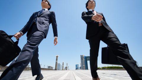 今の仕事がイヤなら方法は2つ、仕事をやめるか?、職場を変えるか? 職場リゾート化プロジェクト
